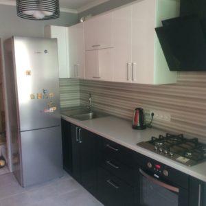 Кухня с небольшим углом