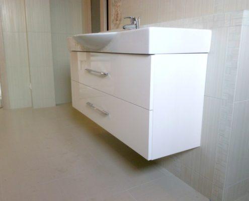 Белая тумба под раковину для ванной комнаты на заказ