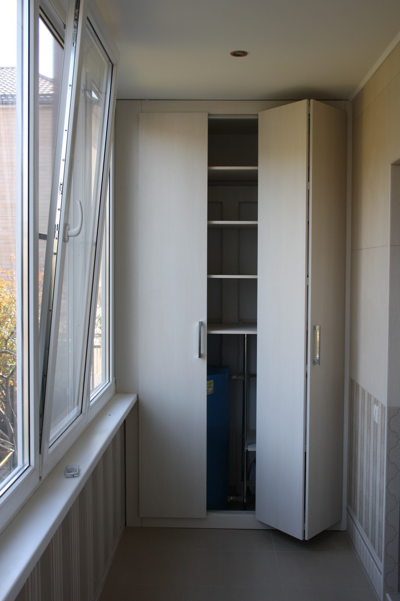 Шкаф на балкон, лоджию своими руками with для балкона 77 кру.