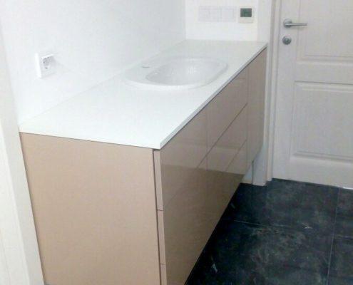Тумба для ванной комнаты под раковину с доводчиками