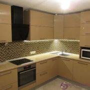 Кухня из мдф золотистого цвета