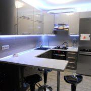 Кухня со светодиодной подсветкой угловая