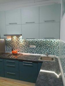 Угловая кухня из мдф в комбинированных цветах, на заказ 3