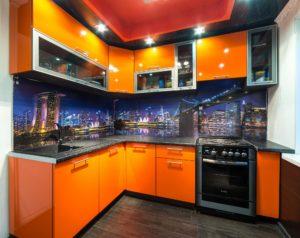Угловая кухня из оранжевого пластика, на заказ