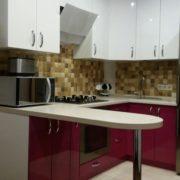 Угловая кухня из пластика, на заказ