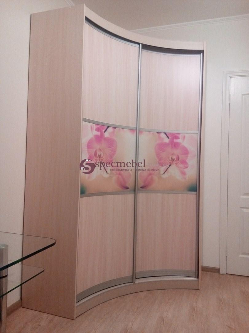 Радиусный шкаф-купе с фотопечатью орхидей